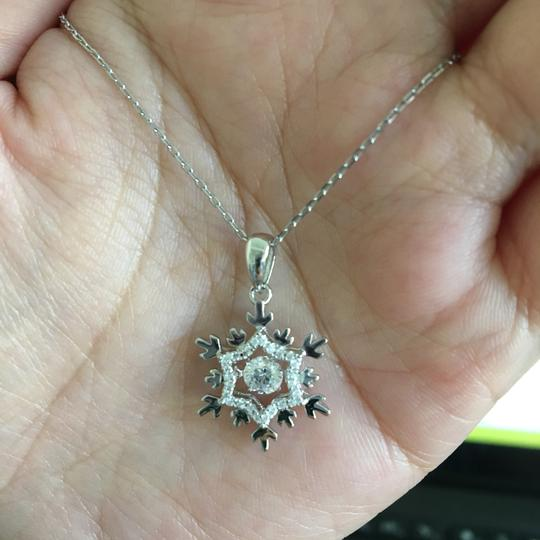 Other Dancing Stone Snowflake Pendant Necklace Solid 925 Sterling Silver