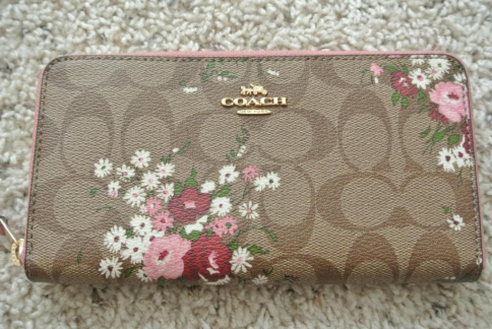 wholesale dealer 15c91 a595d Coach Multicolor Accordion Zip In Signature Canvas with Floral F29931  Wallet 60% off retail
