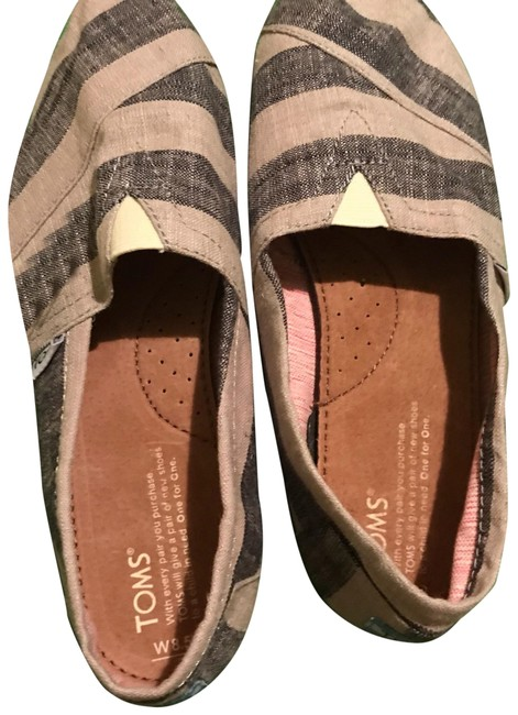 Item - Grey Flats Size US 8.5 Wide (C, D)