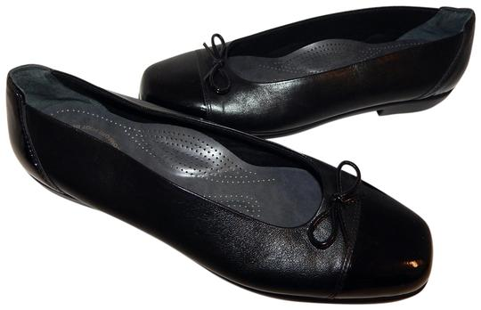 Preload https://img-static.tradesy.com/item/23357130/black-leather-patent-toe-cap-ballet-n-flats-size-us-10-narrow-aa-n-0-1-540-540.jpg