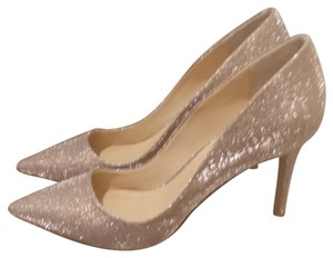 Daya by Zendaya Beautiful golden metallic with a linen look pattern. Classy by day, sexy by night. Pumps