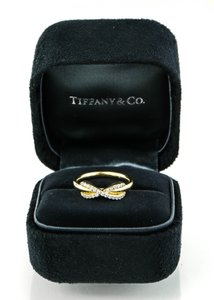 Tiffany & Co. Tiffany & Co Infinity with Diamonds Ring