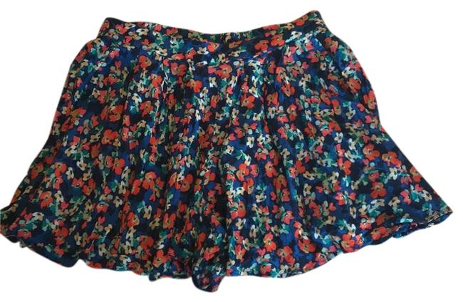 Item - Blue/Red/Green Floral Flowly Shorts Size 8 (M, 29, 30)