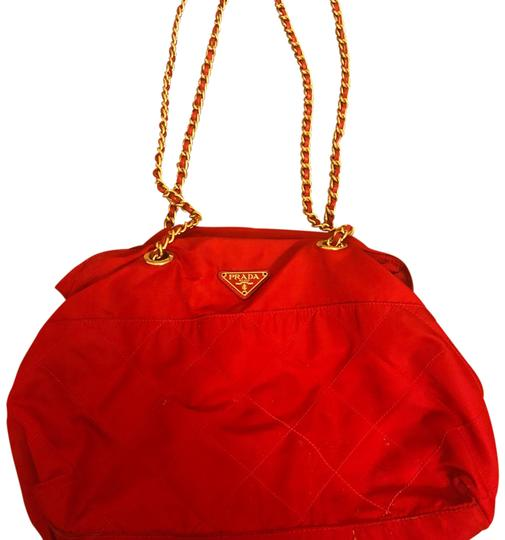 Preload https://img-static.tradesy.com/item/23358375/quilted-with-chains-red-tote-0-1-540-540.jpg