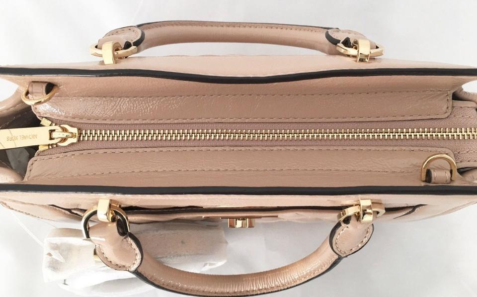 Michael Kors Vivianne Quilted Medium Shoulder Beige Leather Messenger Bag -  Tradesy 8e580b8058db2