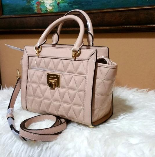 Michael Kors beige Messenger Bag