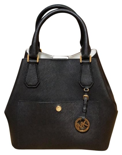Preload https://img-static.tradesy.com/item/23358974/michael-kors-greenwich-large-grab-bucket-purse-black-saffiano-leather-satchel-0-5-540-540.jpg