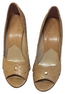 Michael Kors Tan/ Neutral Pumps