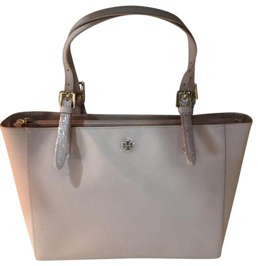 Preload https://item1.tradesy.com/images/tory-burch-small-york-saffiano-buckle-light-oak-leather-tote-23366415-0-1.jpg?width=440&height=440