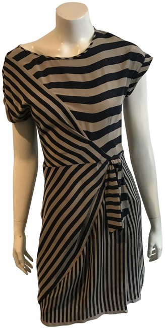 Preload https://item5.tradesy.com/images/bcbgmaxazria-navybrown-135418-navybrown-stripe-silk-mid-length-workoffice-dress-size-2-xs-23366424-0-1.jpg?width=400&height=650