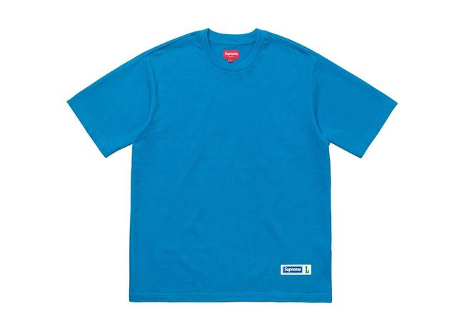 Preload https://img-static.tradesy.com/item/23366496/supreme-blue-mens-athletic-label-ss-t-shirt-ss18-medium-tee-shirt-size-10-m-0-0-650-650.jpg