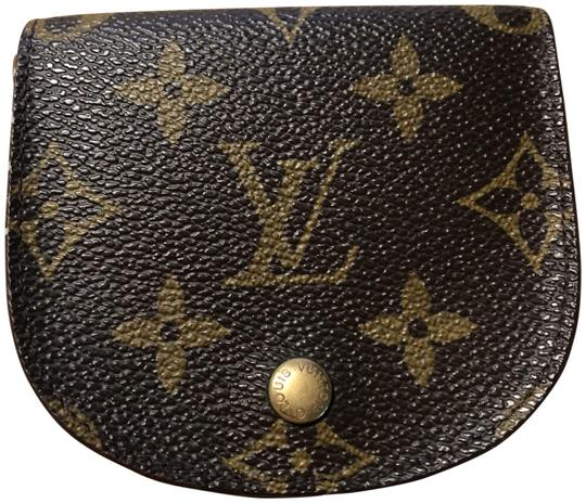 Preload https://item3.tradesy.com/images/louis-vuitton-monogram-lv-coin-pouch-wallet-23366587-0-1.jpg?width=440&height=440