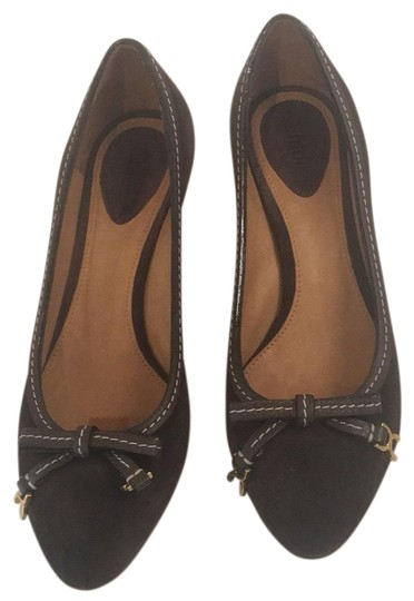 Preload https://item3.tradesy.com/images/chloe-brown-suede-loafers-with-bow-wedges-size-eu-375-approx-us-75-regular-m-b-23366687-0-1.jpg?width=440&height=440