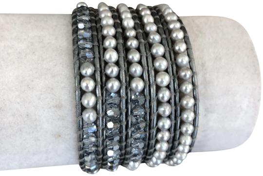 Chan Luu New Auth Chan Luu Grey Pearl Mix Five Wrap Bracelet on Metallic Grey L