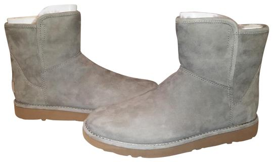 Preload https://img-static.tradesy.com/item/23366928/ugg-australia-rkrg-green-w-abree-mini-bootsbooties-size-us-8-regular-m-b-0-1-540-540.jpg