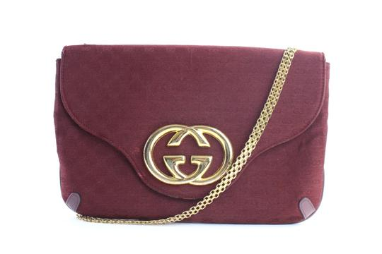 Preload https://item2.tradesy.com/images/gucci-interlocking-chain-flap-3gr0515-burgundy-coated-canvas-cross-body-bag-23367076-0-1.jpg?width=440&height=440