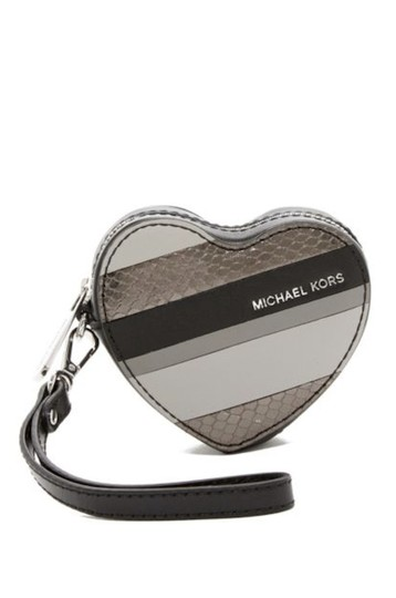 Preload https://item4.tradesy.com/images/michael-kors-black-leather-heart-coin-purse-key-fob-wallet-23367083-0-0.jpg?width=440&height=440