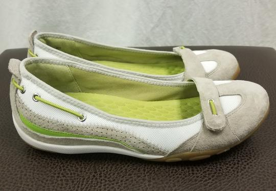 Privo by Clarks Gray / White Flats