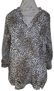 TeenBell Animal-print Lightweight Thin Top Ivory, Brown, Beige