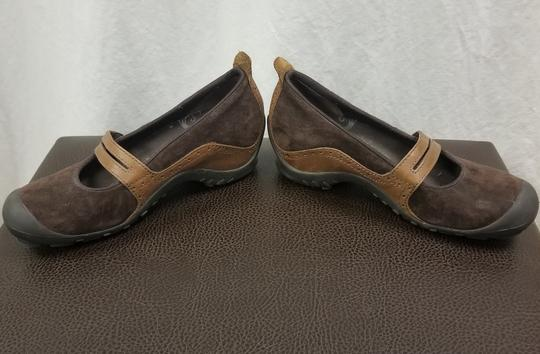 Merrell Suede Flats Brown Athletic Image 4