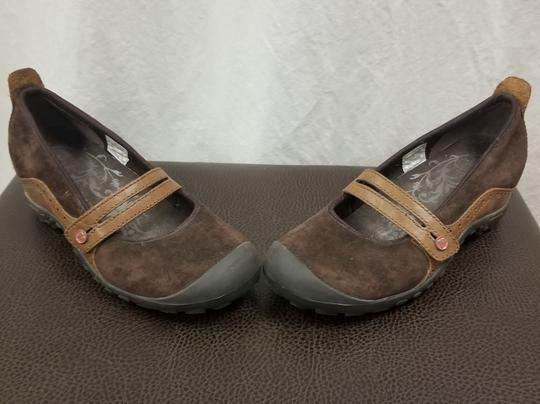 Merrell Suede Flats Brown Athletic Image 5