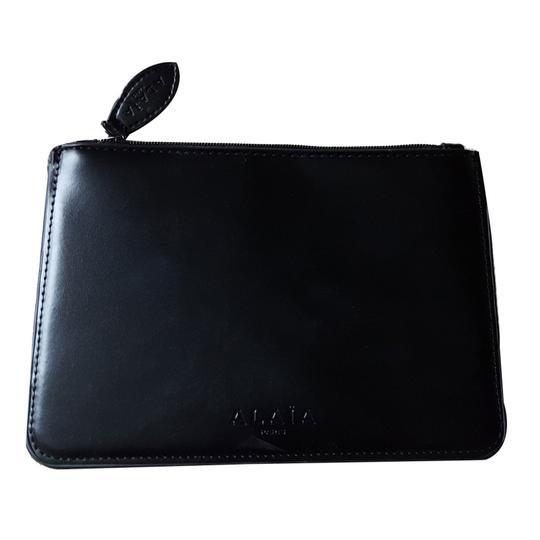 Preload https://item3.tradesy.com/images/alaia-black-leather-clutch-23367342-0-0.jpg?width=440&height=440