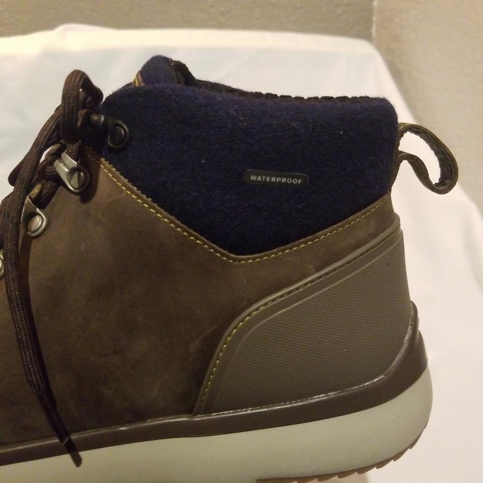 9e27372398f UGG Australia Sla Brown and Navy M Olivert Sneakers Size US 11.5 Regular  (M, B) 44% off retail
