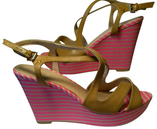 Preload https://item3.tradesy.com/images/tommy-hilfiger-brillint-pink-and-tan-striped-wedges-size-us-7-regular-m-b-23367457-0-3.jpg?width=440&height=440