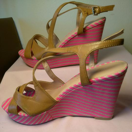 Tommy Hilfiger Brillint Pink & Tan Wedges
