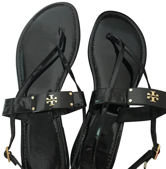 Preload https://img-static.tradesy.com/item/23368179/tory-burch-black-avriela-flat-sandals-size-us-105-regular-m-b-0-2-540-540.jpg