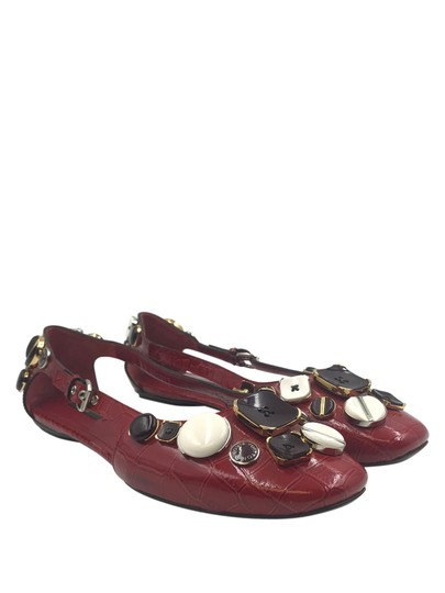 Preload https://img-static.tradesy.com/item/23368525/louis-vuitton-dark-red-croc-embossed-patent-leather-ballet-flats-size-eu-395-approx-us-95-regular-m-0-0-540-540.jpg
