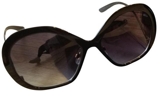 Preload https://img-static.tradesy.com/item/23368661/dolce-and-gabbana-dolce-and-gabbana-sunglasses-0-1-540-540.jpg