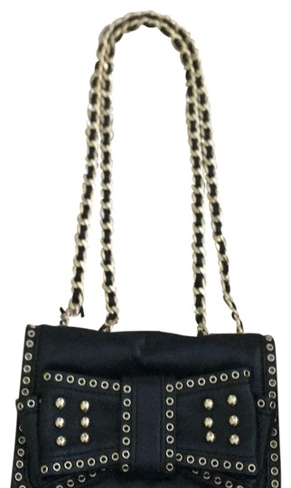 Preload https://img-static.tradesy.com/item/23368662/rebecca-minkoff-purse-black-with-gold-hardware-leather-cross-body-bag-0-1-540-540.jpg