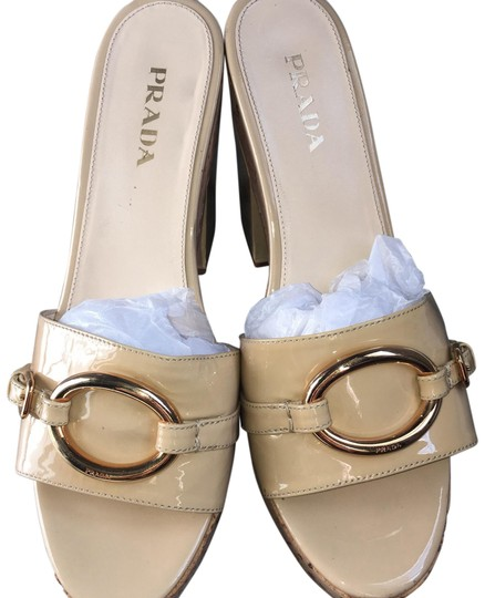 Preload https://img-static.tradesy.com/item/23368896/prada-nude-platforms-size-us-105-regular-m-b-0-1-540-540.jpg