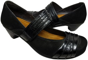Naot black Pumps