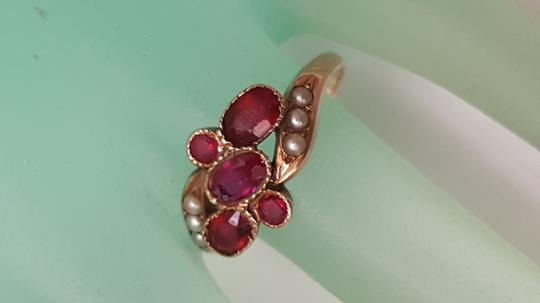 Antique Victorian 10k YG Bezel Set 2.00carats Genuine Ruby's & Seed Pearl Ring