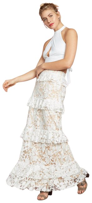 Preload https://img-static.tradesy.com/item/23369280/willow-and-clay-white-riviera-tiered-lace-maxi-skirt-size-2-xs-26-0-2-650-650.jpg