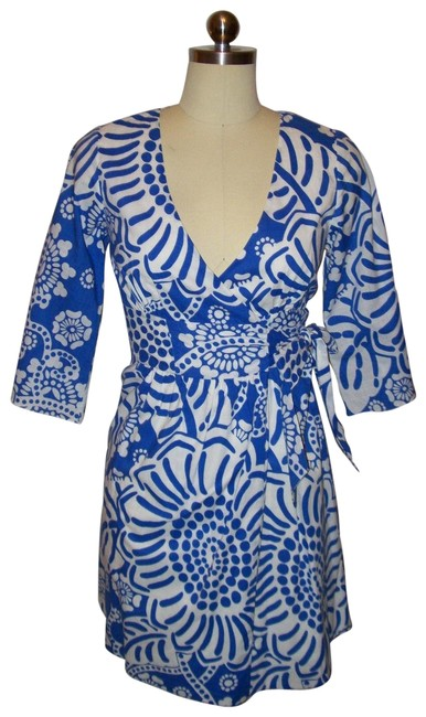 Preload https://img-static.tradesy.com/item/23369289/tibi-bluewhite-print-wrap-sz0-short-casual-dress-size-0-xs-0-1-650-650.jpg