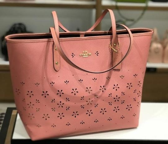 Coach Shoulder 36126 36609 City Tote in pink Image 7