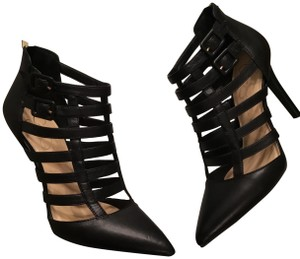 Jessica Simpson Black Sleek Pumps