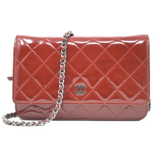 Preload https://img-static.tradesy.com/item/23371763/chanel-wallet-on-chain-patent-woc-red-leather-clutch-0-1-540-540.jpg