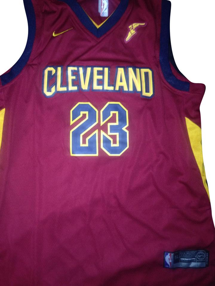 best website 9e028 3df20 Nike Red Jersey Lebron James Cleveland Cavaliers Activewear Top Size 24  (Plus 2x)