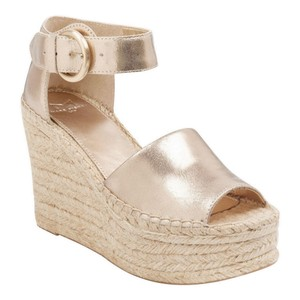 Marc Fisher Taupe Wedges