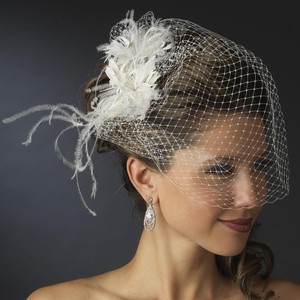 Elegance by Carbonneau White Birdcage Russian Tulle & Feather Fascinator On Comb Bridal Veil