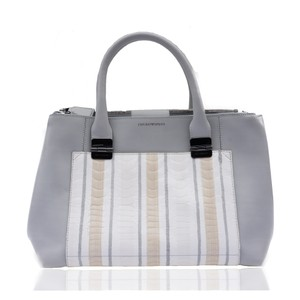 d88c427abd53 Emporio Armani Bags - Up to 90% off at Tradesy