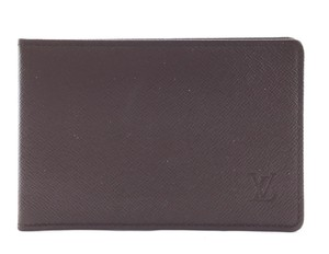 20b3f83f7520 Louis Vuitton LV taiga leather bifold Credit Card Business ID pass Monogram  LV logo