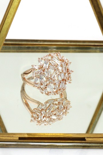 Ocean Fashion Fashion small square rose gold crystal ring Image 3