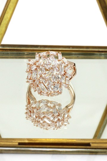 Ocean Fashion Fashion small square rose gold crystal ring Image 4