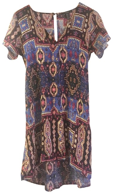 Preload https://img-static.tradesy.com/item/23375864/forever-21-abstract-print-short-casual-dress-size-4-s-0-1-650-650.jpg