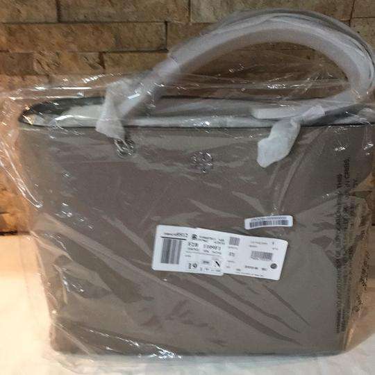 Tory Burch Tote in French Gray Image 10